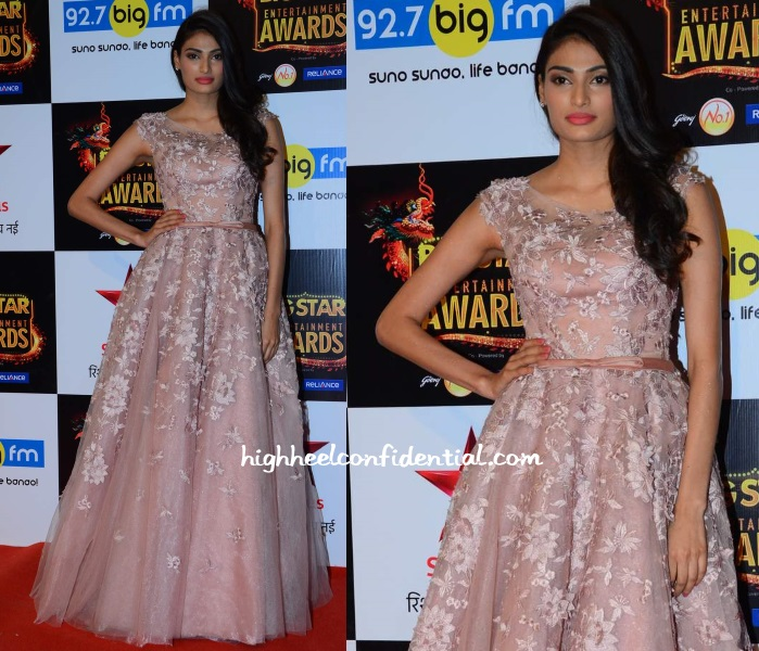 athiya-shetty-big-star-entertainment-awards-2015-elie-saab