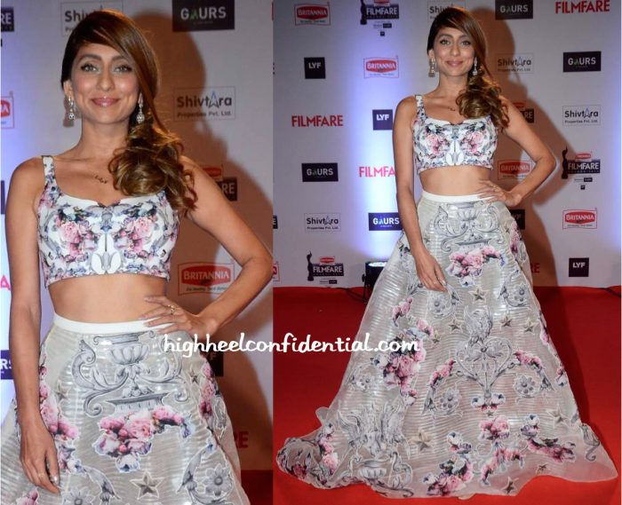 Anusha Dandekar In Falguni And Shane Peacock At Filmfare Awards 2016