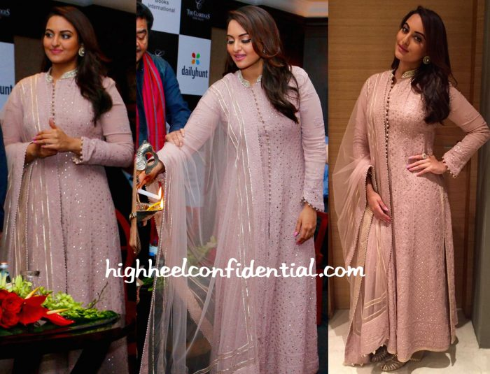 Sonakshi Sinha In Rimple & Harpreet Narula At Shatrughan Sinha's 'Anything But Khamosh' Book Launch-1