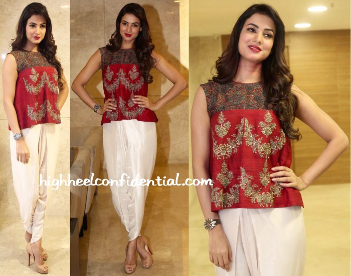 Sonal Chauhan In Jayanti Reddy At 'Dictator' Press Meet-1