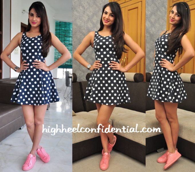 Sonal Chauhan Wears H&M To Movie Promotions In Hyderabad-1