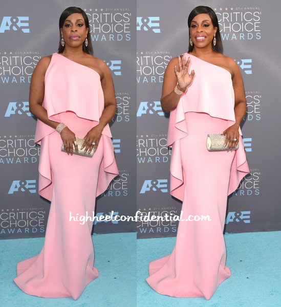 niecy-nash-gauri-nainika-critics-choice-awards-2016