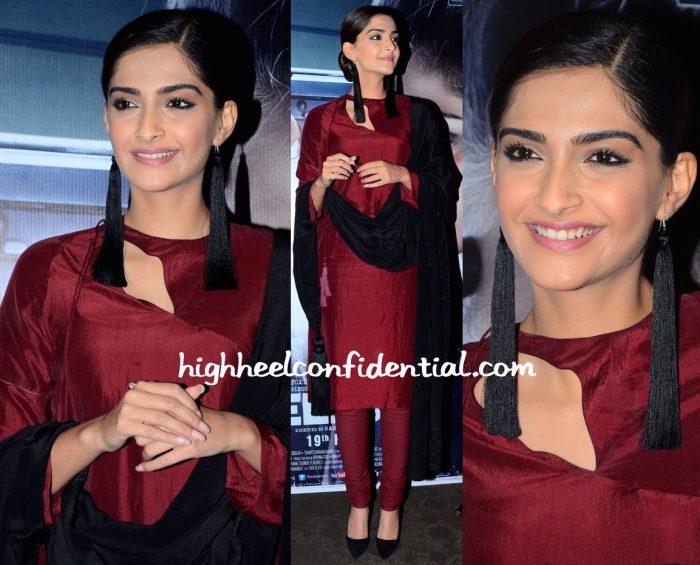 Sonam Kapoor Wears Rashmi Varma To Neerja Promotions-2