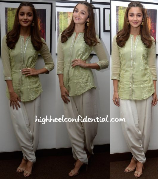 Alia Bhatt Wears Am-Pm By Ankur and Priyanka Modi To Kapoor & Sons Promotions In Ahmedabad-2