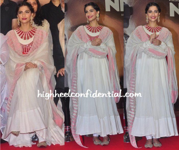Sonam Kapoor In Anamika Khanna At Neerja Promotions-2