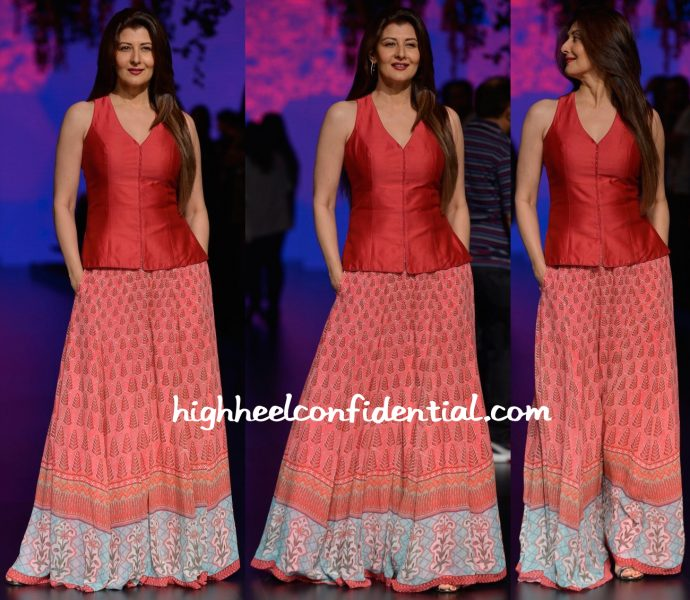 Sangeeta Bijlani In Anita Dongre At Designer's Show At Lakme Fashion Week Summer Resort 2016