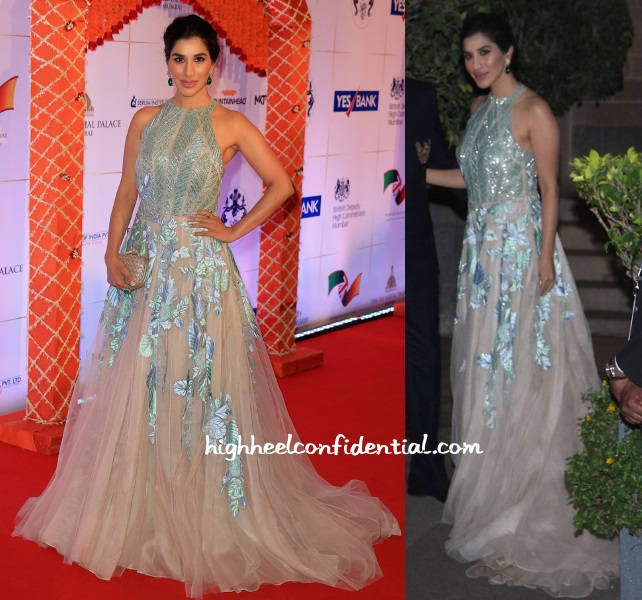 sophie-choudry-manish-malhotra-charity-dinner-gala-royal-visit