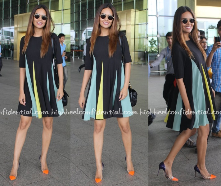 esha-gupta-payal-nikila-airport