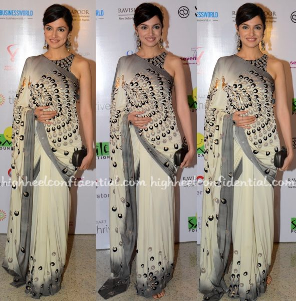 Divya Khosla Kumar Wears Malini Ramani To Smile Foundation Charity Event-1