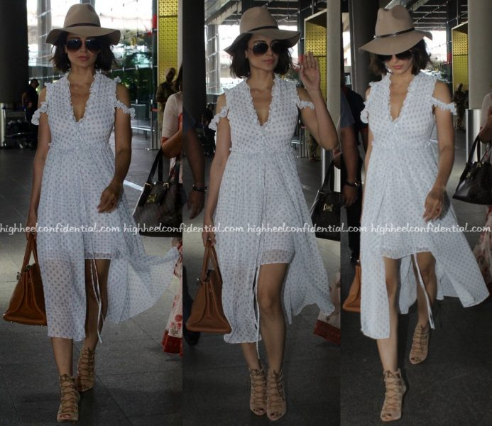 Kangana Ranaut At Mumbai Airport-1