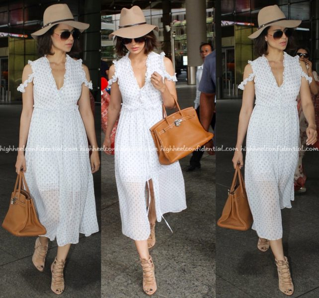Kangana Ranaut At Mumbai Airport-2
