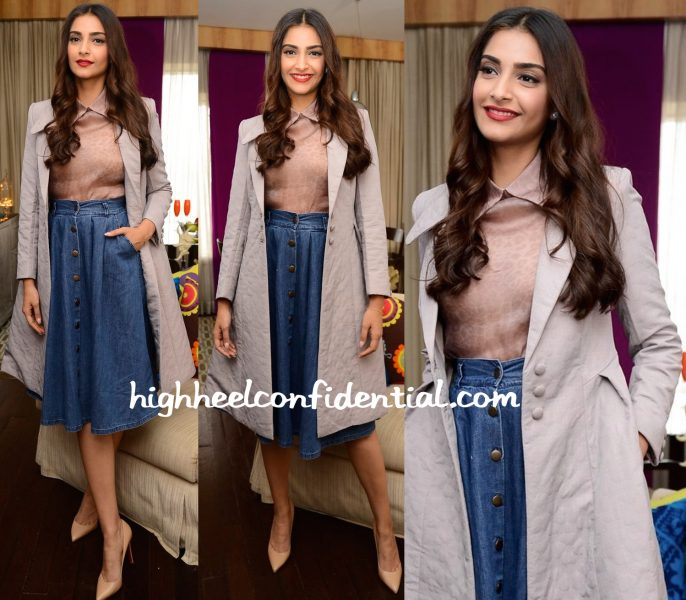 Sonam Kapoor Wears Dolly J And Bhane To 'The Tara Sharma Show' Sets-1