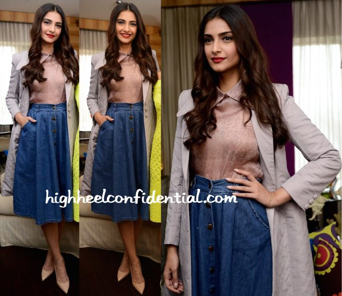 Sonam Kapoor Wears Dolly J And Bhane To 'The Tara Sharma Show' Sets-2