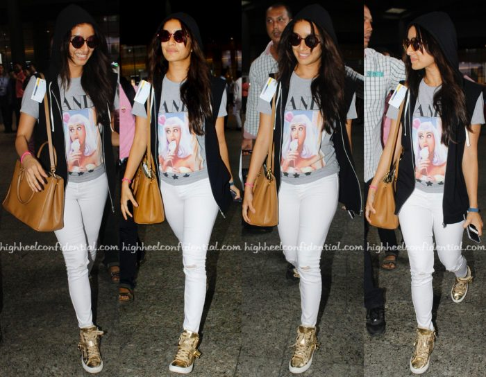 Travel(v)ogue- Shraddha Kapoor Photographed At Mumbai Airport