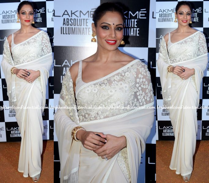 Bipasha Basu Attends Sabyasachi's Show At Lakme Fashion Week Winter:Festive 2016