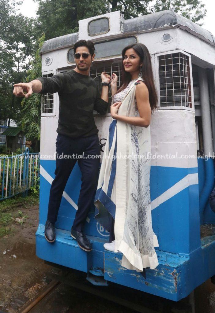 Katrina and Siddhartha Malhotra in town (1)
