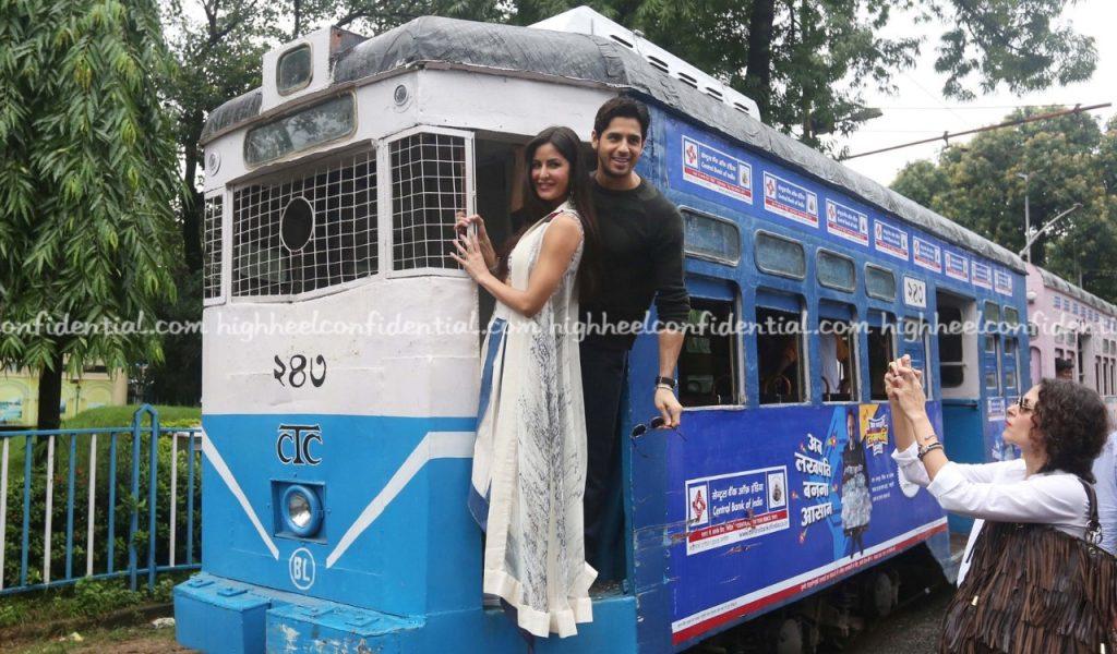 Katrina and Siddhartha Malhotra in town (5)