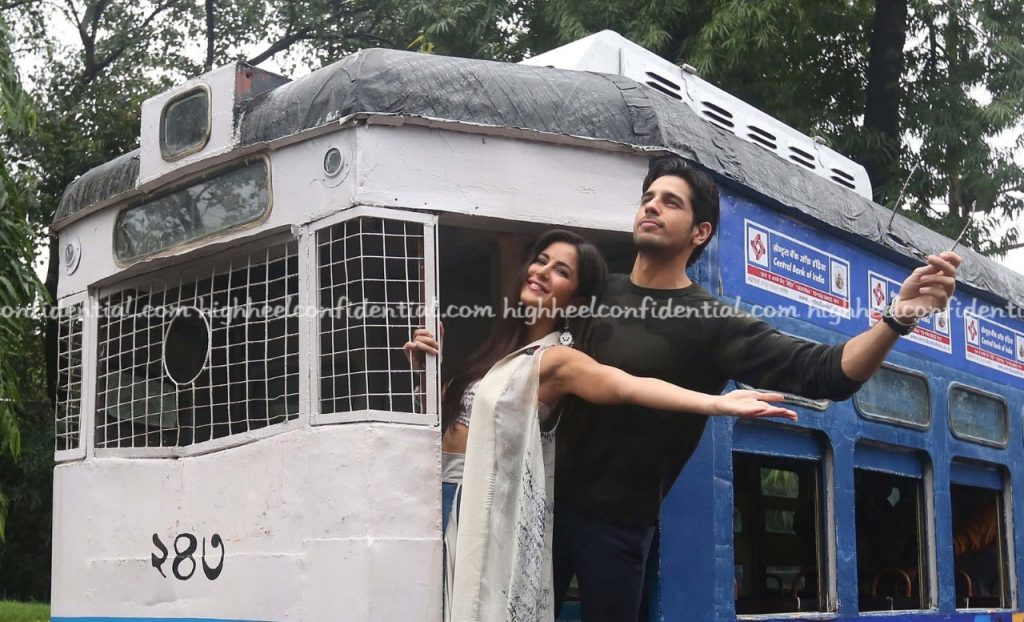 Katrina and Siddhartha Malhotra in town (7)