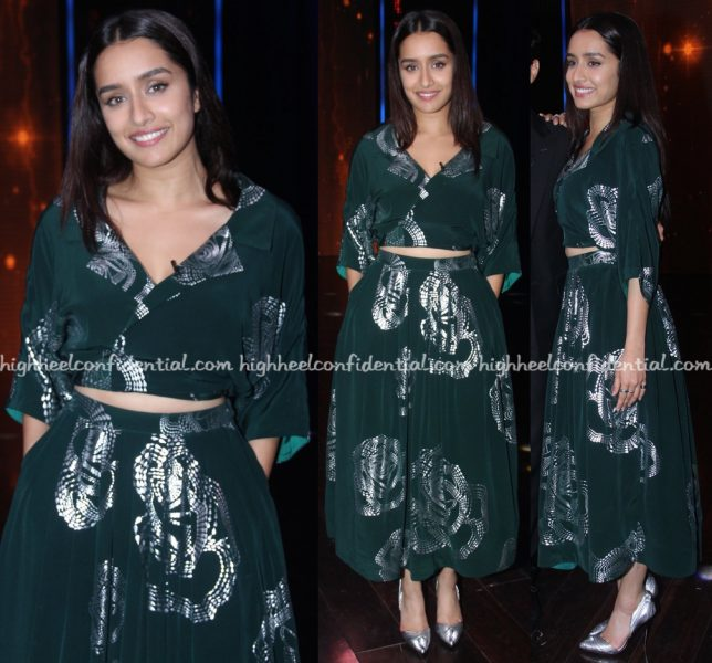 shraddha-kapoor-wears-urvashi-joneja-to-yaaron-ki-baraat-sets-for-rock-on-2-promotions-1