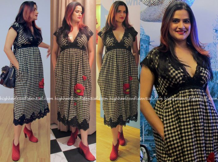sona-mohapatra-wears-pero-to-twitter-india-blue-room-event