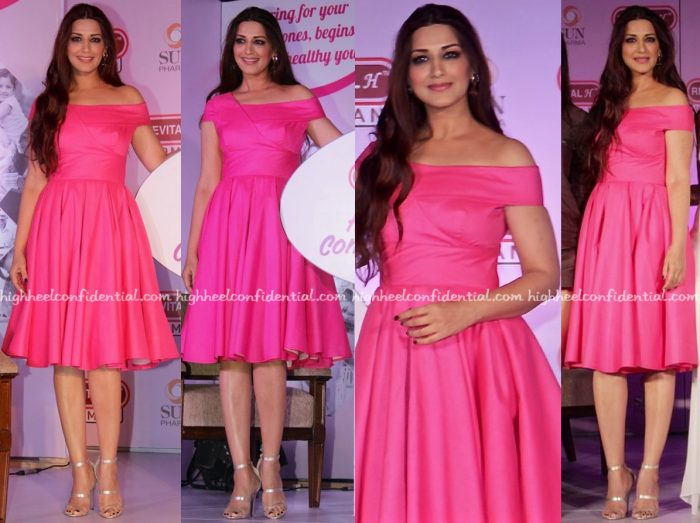 sonali-bendre-wears-swapnil-shinde-to-an-event-for-revital-woman-2