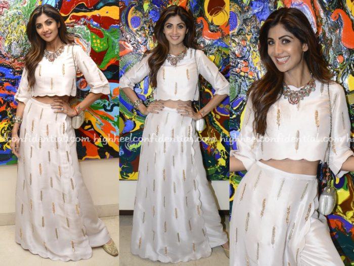 shilpa-shetty-payal-singhal-art-exhibition