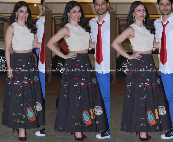 soha-ali-khan-wears-shahin-mannan-to-kareena-kapoor-khans-christmas-bash-1