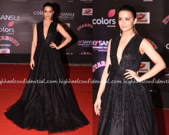 surveen-chawla-monsoori-stardust-awards-2016