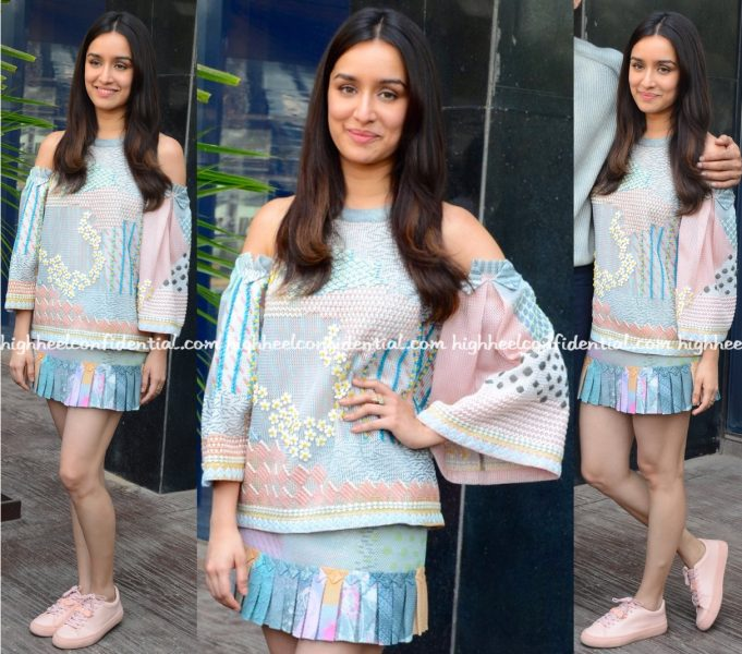shraddha-kapoor-in-pankaj-and-nidhi-at-ok-jaanu-promotions-1