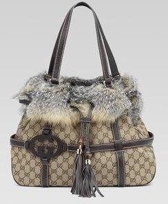 8bb45f0b9316 gucci fox fur trim bag