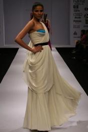 1-gauri-and-nainika-white.jpg