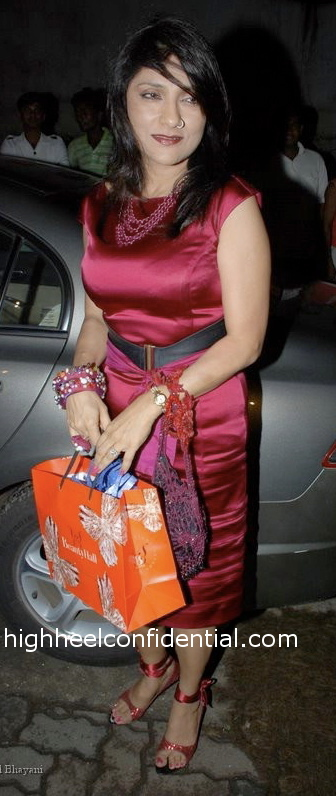 aarti-surendranath-katrina-kaif-birthday-party-pink-dress-11.jpg