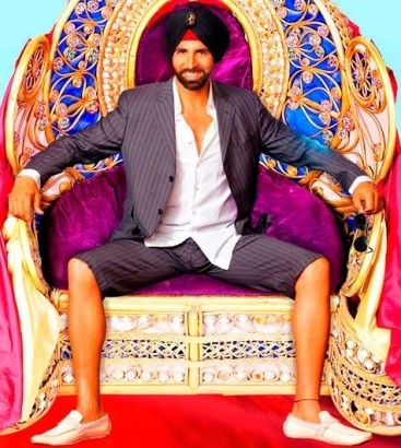 akshay_singh_is_kinng_short_suits.jpg