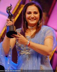 jaya-prada-south-filmfare-awards-2.jpg