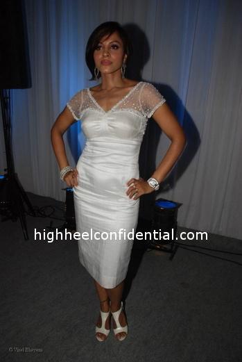 mansi-scot-fiat-500-white-dress1.jpg