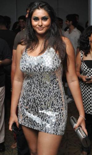 namitha_south_filmfare_awards.jpg
