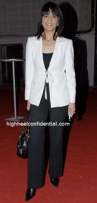 neeta-lulla-black-and-white1.jpg