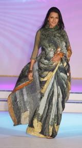 neha-dhupia-satya-paul-colombo-sari.jpg