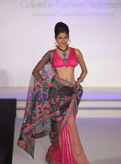 shobhaa-de-colombo-sari-1.jpg