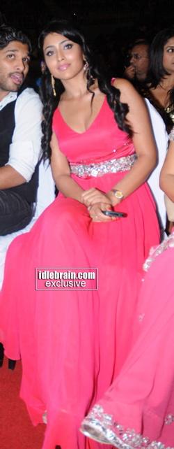 shriya-saran-south-filmfare-awards-1.jpg