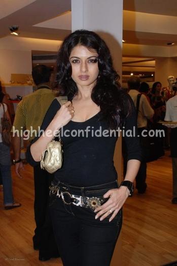 bhagyashree-aza-black-outfit-21.jpg