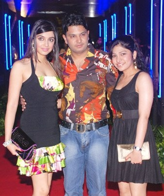 divya-khosla-bhushan-rock-on-premiere.jpg