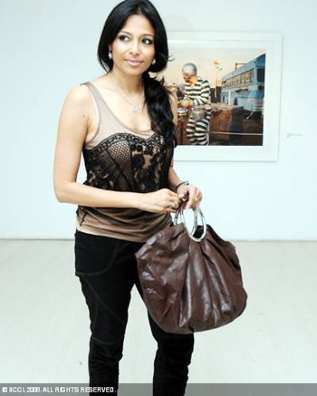 kalyani-chawla-gigi-scarias-photography-exhibition.jpg