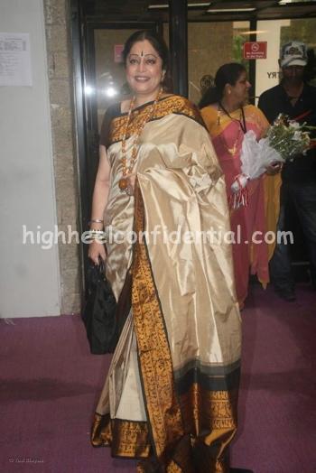 kirron-kher-rajiv-gandhi-awards-2008-2.jpg
