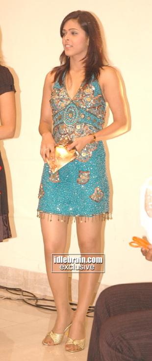 madhu-mathi-blue-dress-homam-audio-release.jpg