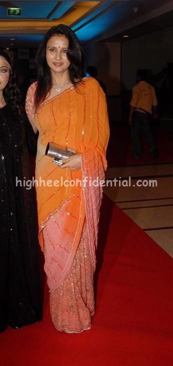 poonam-dhillon-salaam-e-comedy-awards1.jpg
