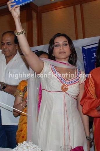 rani-mukherjee-krishna-book-launch2.jpg