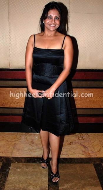 shefali-shah-singh-is-kinng-success-bash-black-dress1.jpg