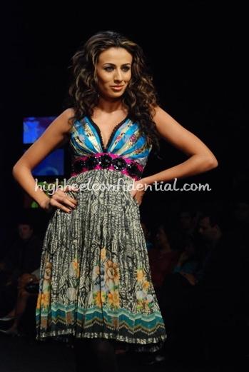 13-vikram-phadnis-chivas-fashion-tour-mumbai.jpg