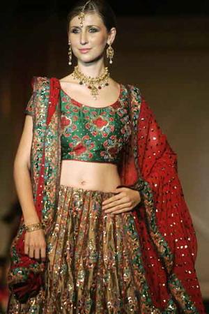 3-marriage-n-vogue-fashion-show-suman-nathwani.jpg